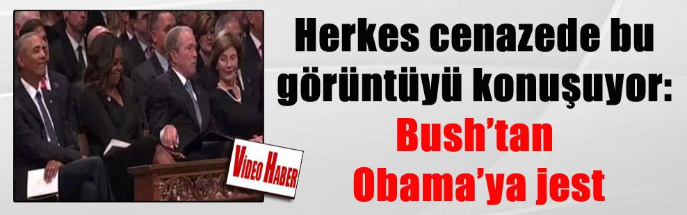Herkes cenazede bu görüntüyü konuşuyor: Bush'tan Obama'ya jest