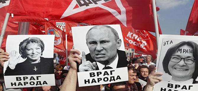 Rusya'da Putin'i kızdıracak prtesto!