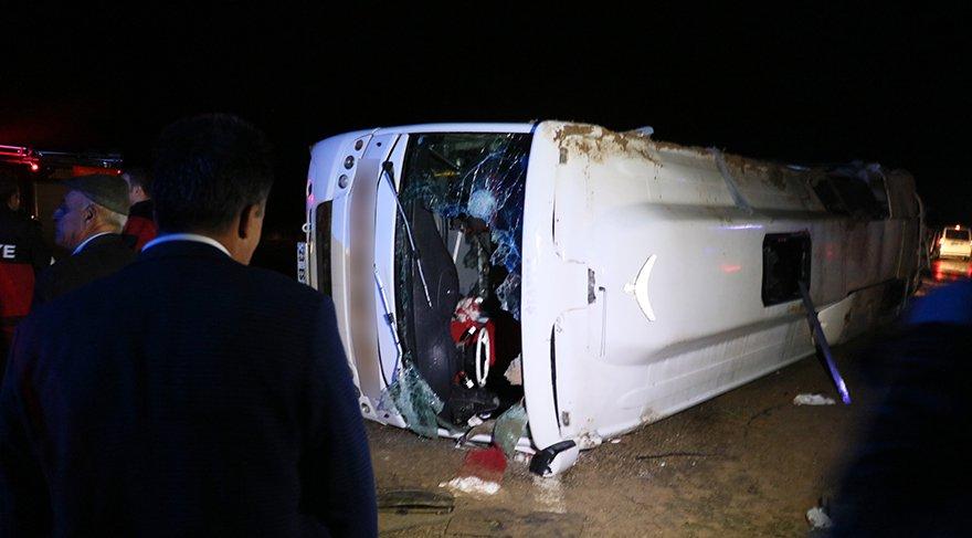 Diyarbakır'da yolcu otobüsü devrildi: 30 yaralı