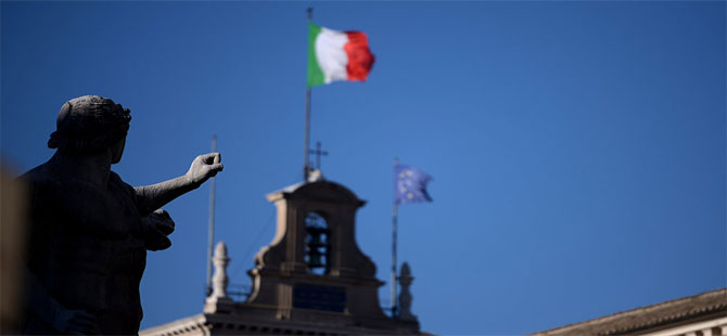 İtalya'da aşırı sağ Lig Partisi, Müslümanlara kilise 'sattı'