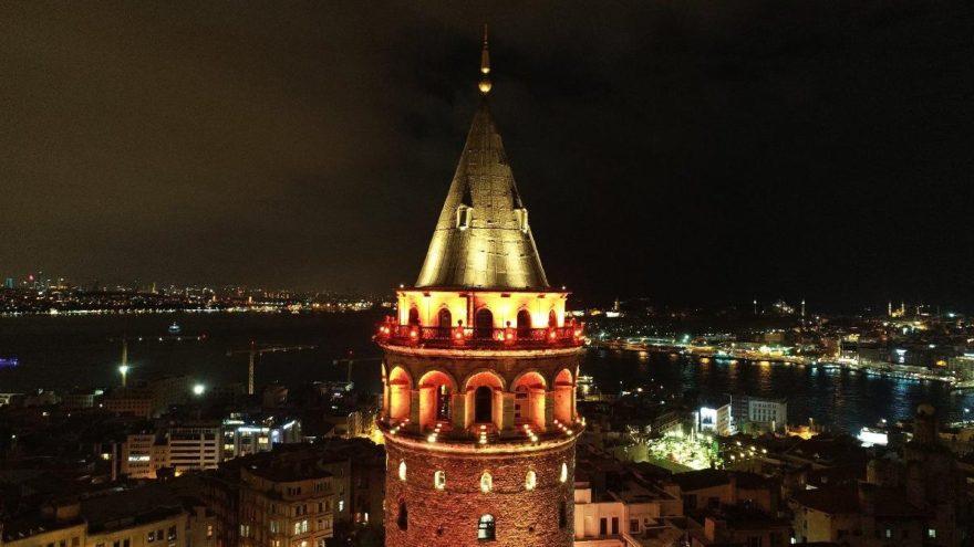 Galata Kulesi kadına şiddete karşı renk değiştirdi