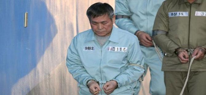 Müritlerine tecavüz eden Güney Koreli pastör Lee Jae-rock'a 15 yıl hapis cezası