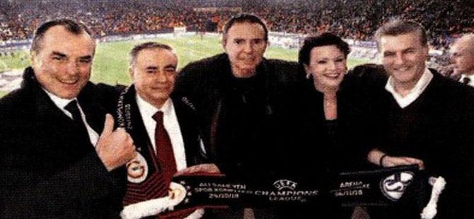 Sözcü Gazetesi'nin sahibi ve Sarıgül birlikte maç izledi