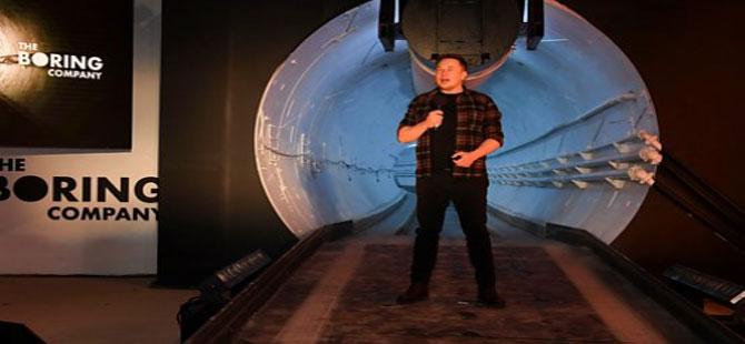 Elon Musk, yüksek hızlı araç tünelini tanıttı