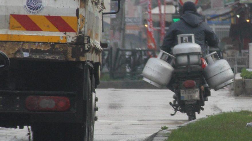 Motosikletle mutfak tüpü taşımak adeta ölüme davetiye!