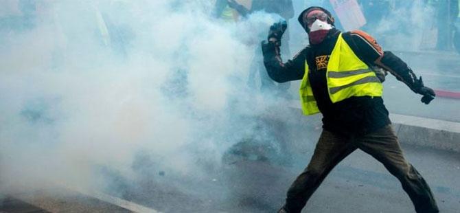 Sarı Yelekler protestoları 23. haftasına girdi: En az 128 gözaltı