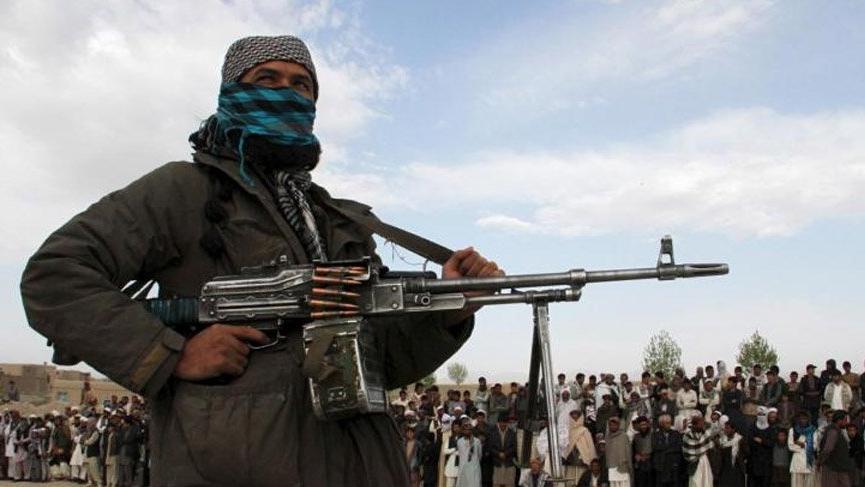 Afganistan'da Taliban, 3 günde 5 vilayet başkentini ele geçirdi