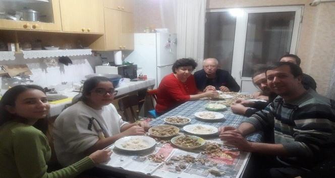 Kütahya'da 6 asırlık helva çekme geleneği
