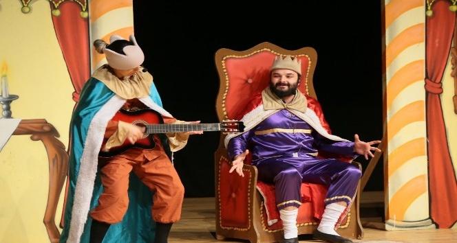 Kütahya'da 'Müziksiz ülke' tiyatro oyunu