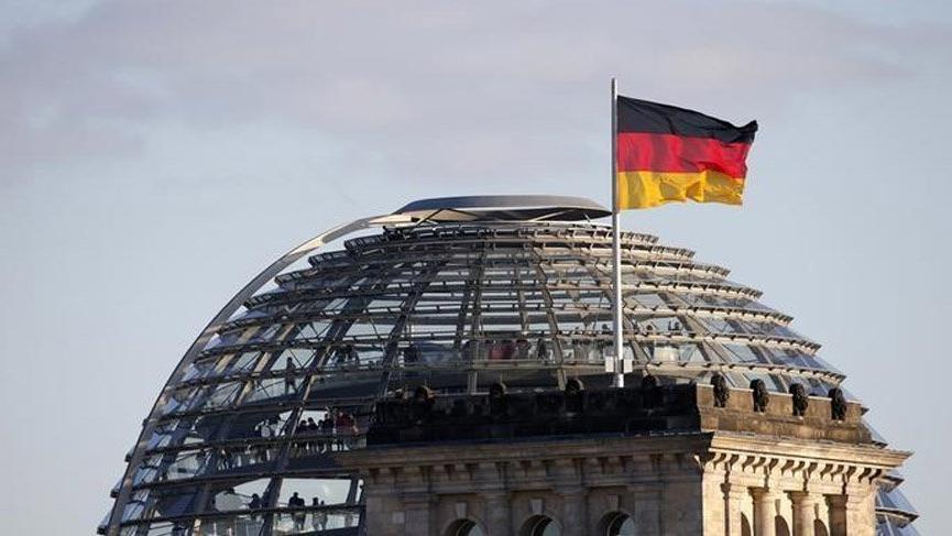 Almanya'dan binlerce insanı ilgilendiren açıklama: Gitmek zorunda değilsiniz
