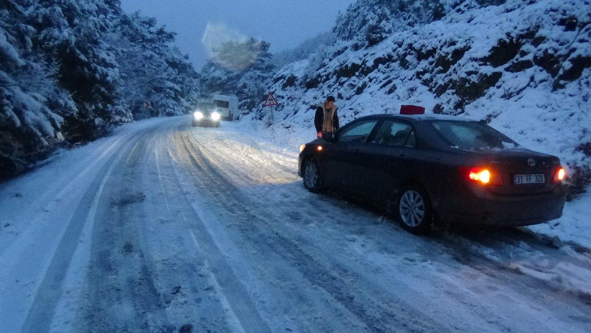 Kazdağları ve Hakkari-Şırnak yolları trafiğe kapandı