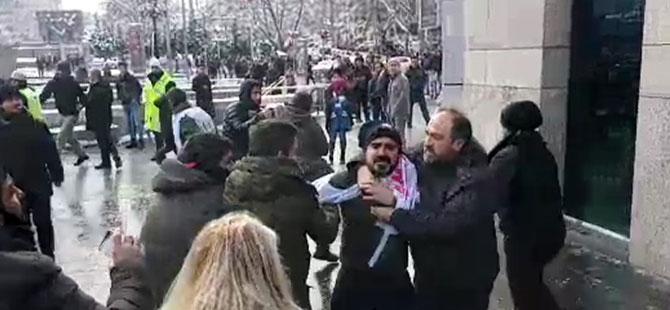Kızılay AVM önünde eylem yapan TOKİ işçilerine polis müdahalesi