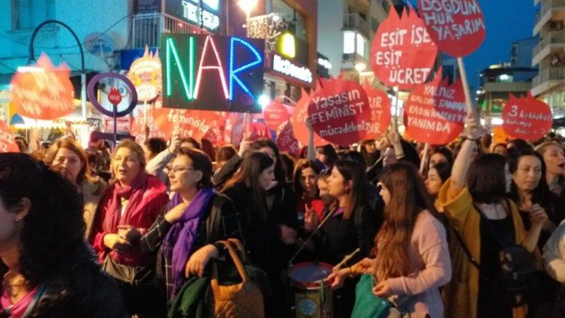 İzmir'de de kadınlar sokakta!
