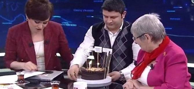Canan Karatay'ın doğum günü pastası, malzemeleriyle gündeme oturdu