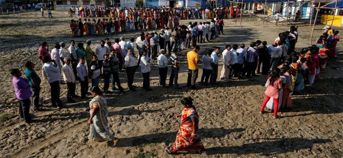 Dünyanın en uzun seçimleri başladı: Hindistan sandık başında