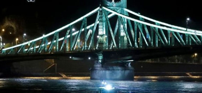 Budapeşte'de gemi devrildi: Yedi ölü, çok sayıda kayıp