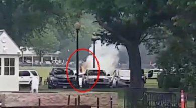 Beyaz Saray'ın hemen dışında kendini ateşe verdi!