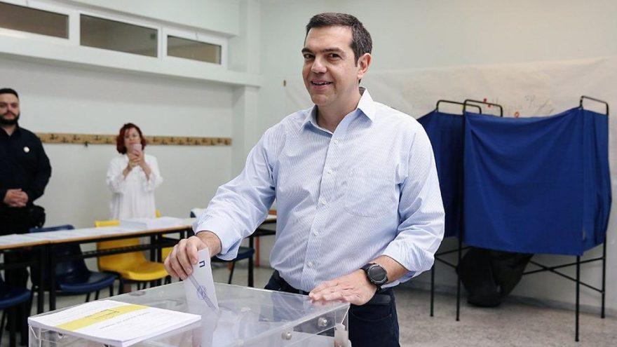 Yunanistan yerel seçimler için sandık başında