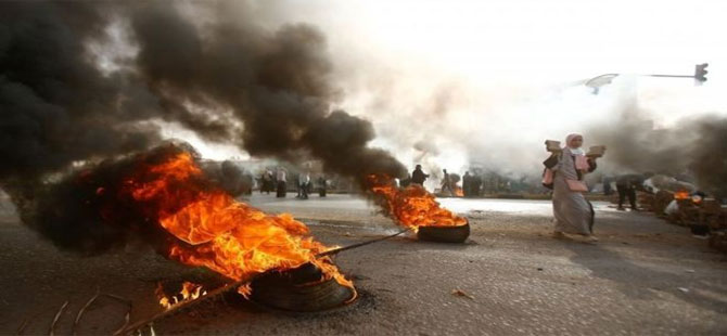 Sudan'da askerler muhalif eylemcilere ateş açtı: En az 5 ölü