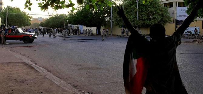 Sudan'da darbe karşıtı gösterilerde en az 35 kişi öldü!