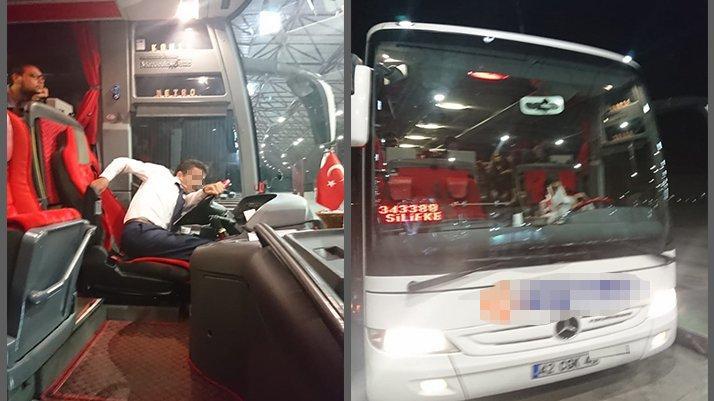 Mülteci sandılar, turisti otobüsten attılar