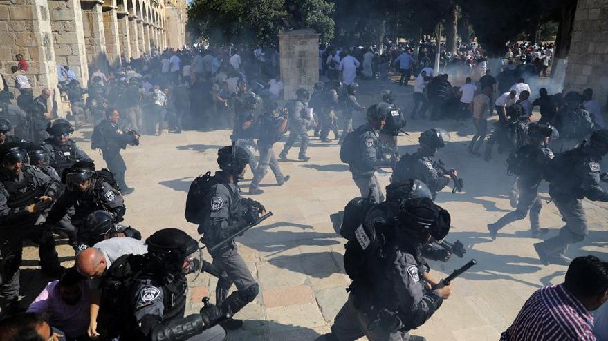 Bayram namazı sonrasında İsrail polisinden sert müdahale