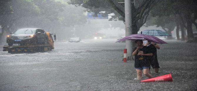 Lekima Tayfunu Çin'e ulaştı: 13 kişi öldü, 1 milyon kişi tahliye edildi