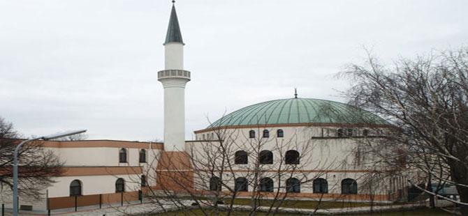 Avusturya'da Diyanet ve Milli Görüş camileri kapatılıyor