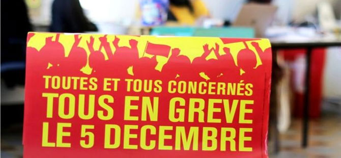 Fransa'da genel grev: Macron'un emeklilik reformuna karşı milyonlarca işçi greve gidecek