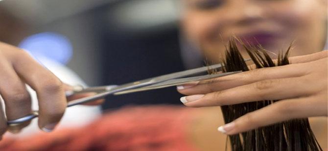 Berberler ve kuaförler yüzde 40 zamlı fiyatla hizmete başladı
