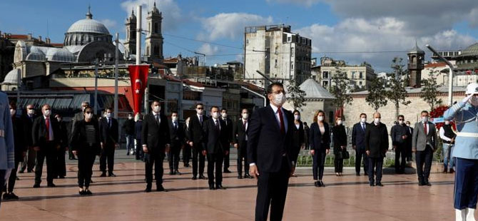 İmamoğlu, 23 Nisan'ın 100. yıldönümünde Taksim'deydi!
