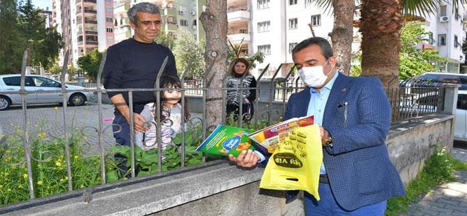 Çukurova Belediyesi, 500 çocuğa 5 bin kitap dağıtıyor!