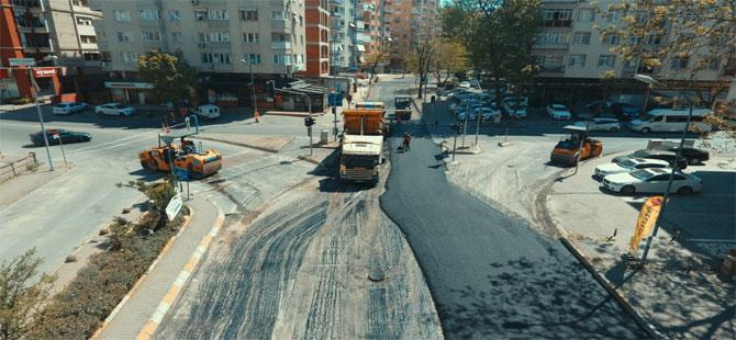 İstanbullular evdeyken yollar yapılıyor!