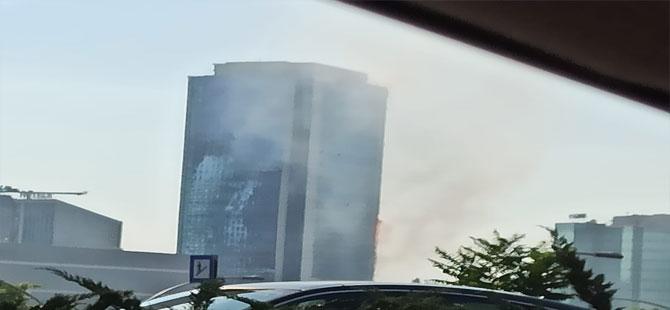 Ankara'da Via Tower İş Merkezi'nde yangın!