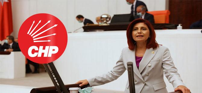 CHP'li Emecan: Gazetelere ceza, binalara milyonlar
