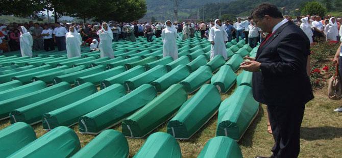 CHP'li Sındır: Srebrenitsa'daki yara kapanmadı, kapanmayacak!