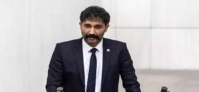 Kadıköy'de 5 kişilik grup TİP milletvekili Barış Atay'a saldırdı