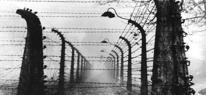 Roman ve Sinti Soykırımının 76. yıldönümü: Amsterdamlı Romanlar Auschwitz'e gönderilmekten nasıl kurtuldu?