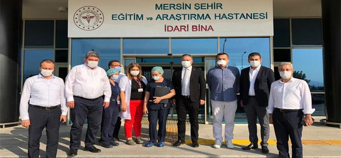 CHP'li vekiller Covdi-19 tedavisi gören Aziz Aydınlık'ı ziyaret etti!