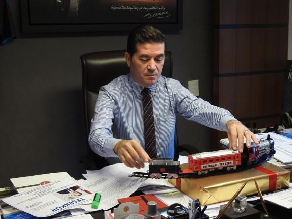 Adil Karaismailoğlu'na hediye edilen tren (2)