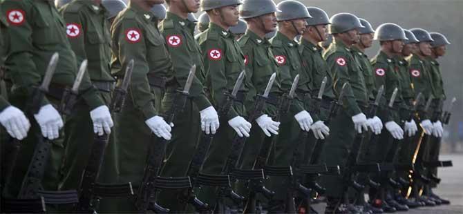 Myanmar'da çatışma: 10 asker öldürüldü