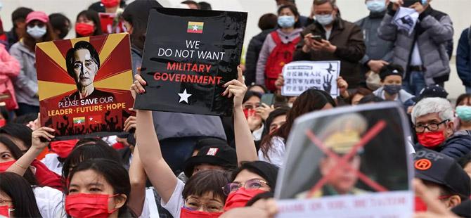 Myanmar'daki darbe karşıtı protestolarda 1 günde 80'den fazla can kaybı