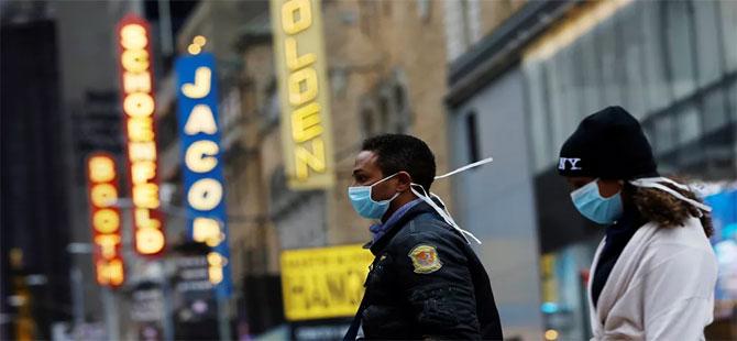 ABD'de aşılananlar artık maske takmak ve sosyal mesafe kuralına uymak zorunda değil