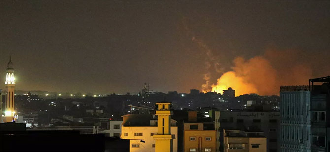 İsrail ordusu: Gazze'ye 'geniş kapsamlı' hava saldırıları düzenleniyor