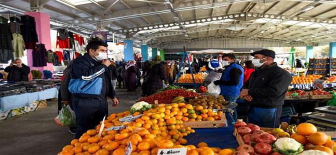 Bir günde İstanbul'da 438 semt pazarı açıldı!