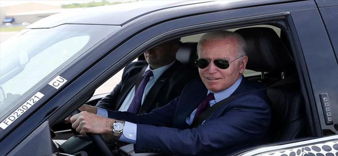 Biden, İsrail hakkında soru sormak isteyen muhabiri ezmekle 'tehdit etti'