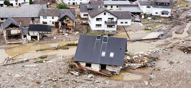Avrupa'da sel felaketi: Can kaybı 150'yi aştı, yüzlerce kişiden halen haber alınamıyor