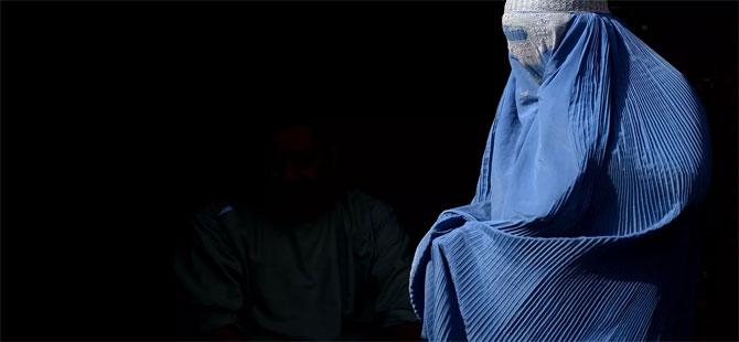 Taliban: Kadınların eğitim alabilmeleri ve çalışabilmeleri için hicab giymeleri şart