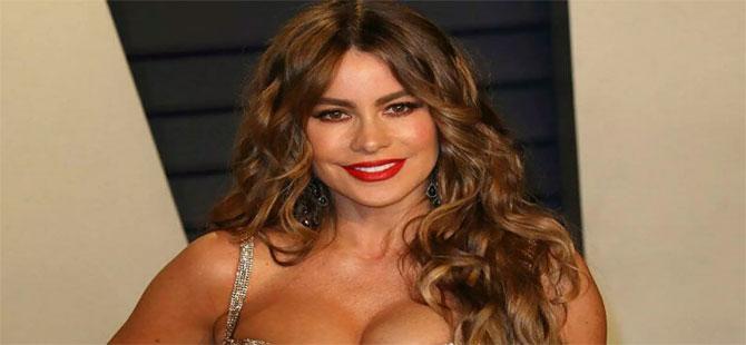 ABD'li model Sofia Vergara, Dünya Kahve Günü için çıplak poz verdi